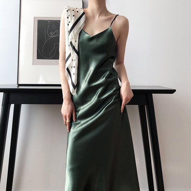 Sexy Sleeveless Women Spaghetti Strap Dresses V neck Soft Satin Silk Slip Dress 2020 Ladies Long Elegant Summer Dress
