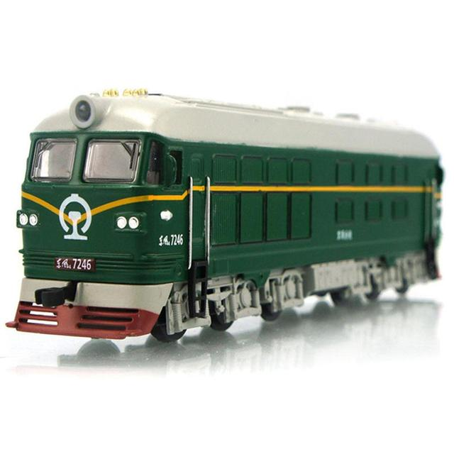 Retro Diecast Dongfeng Locomotive Train Pull Back Model with LED Sound Kids Toy
