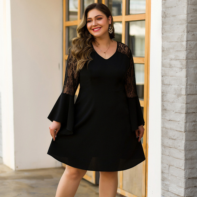 Plus Size Black Cocktail Dresses A-Line Full Sleeve Ruffles V-Neck See-Through Above Knee Lace Short Party Gowns Vestido Coctel