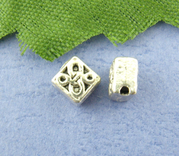 DoreenBeads 120PCs Flower Carved Spacers Beads 5*5mm (B00444) yiwu