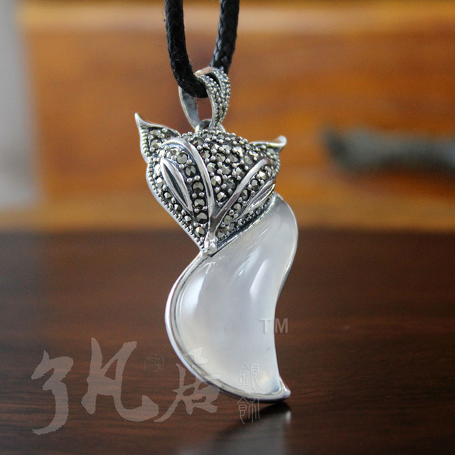Retro White chalcedony pendant 40*20MM marcasite 925 silver Natural semi-precious stones white pendant cartoon fox