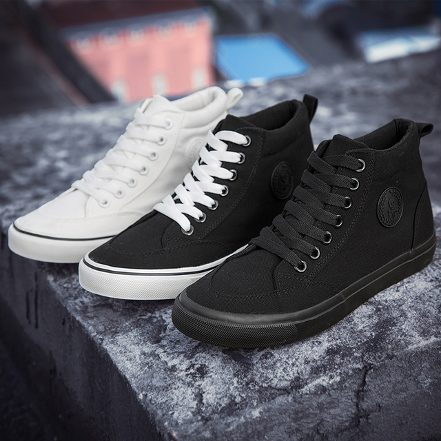 Men Canvas Shoes Fashion Classic Lace-up Shoes New Trend Spring Autumn Solid Vulcanized Flat With Casual Shoes Male Sneakers