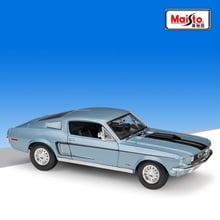 1:18 Maisto Ford Mustang GT Cobra Jet Muscle 1968 white/blue Diecast model car