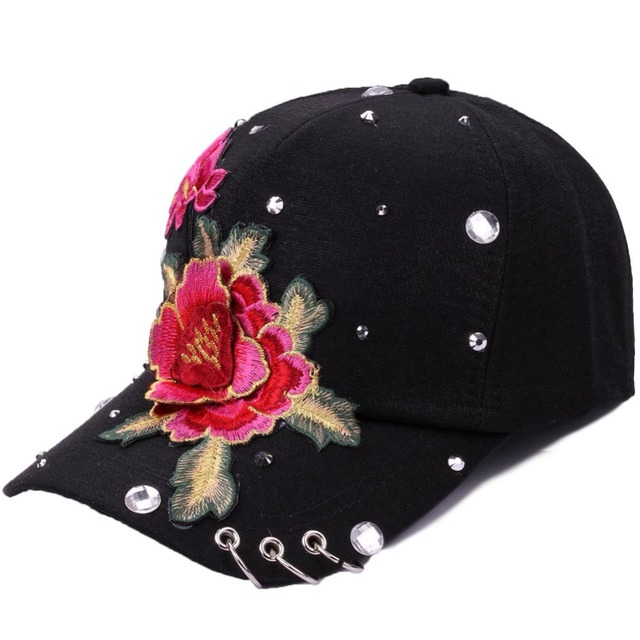 2018 New Adult Casual Flower Embroidery Baseball Cap Women Summer Hip Hop Cap for Girls Rivet Rhinestone Snapback Caps With Ring