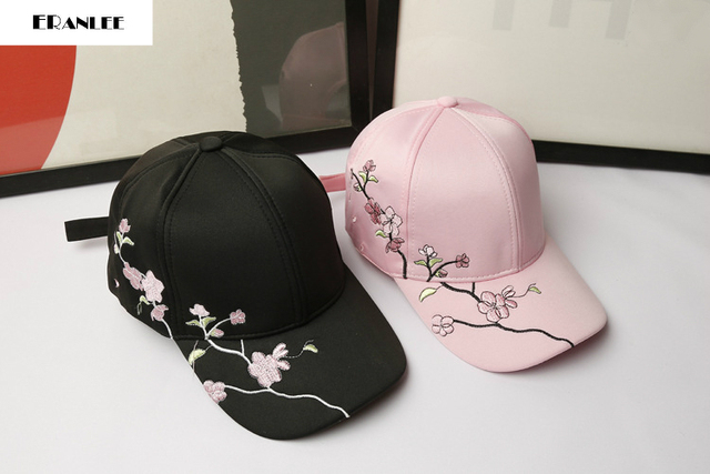 New Fashion Women Floral Embroidery Casual Snapback Baseball Cap Adult Outdoor Shade Adjustable caps Curved Casquette