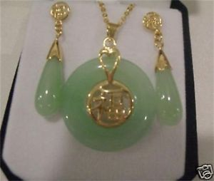 Beautiful Jewelry Nature Green Natural Jade Earrings necklace Pendant Set