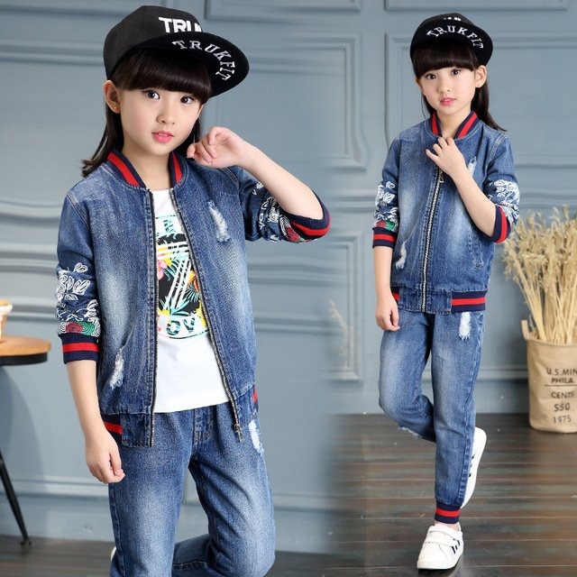 2020 Spring Fall Fashionable Classic Children's Cowboy Suit Girls Printed Flower Holes Denim Blue Baseball Collar 2 Piece