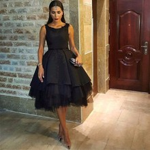 2018 Celebrity Dresses Black Satin Scoop Appliques Beaded Prom Dresses Open Back Ruffles Knee Length Red Carpet Dresses