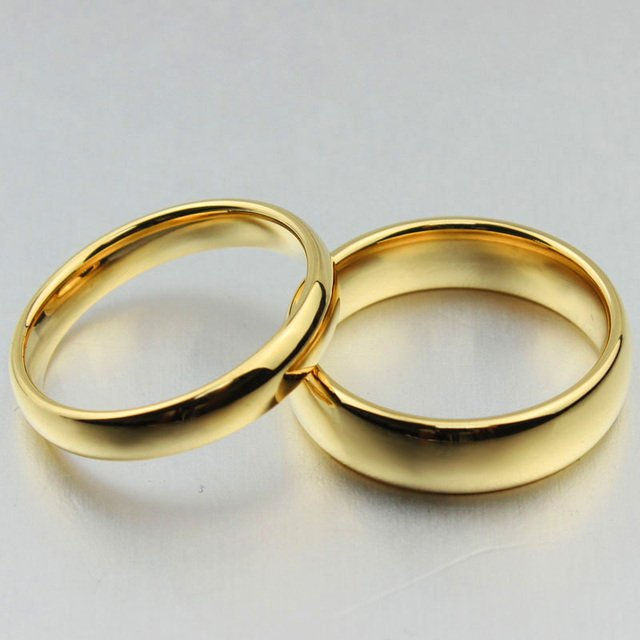 Free Custom Engraving 4mm/6mm Couple's Simple Plain Gold Wedding Rings in Tungsten Carbide