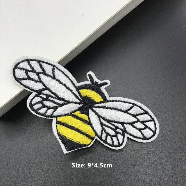Small Bee Patch Embroidery Cloth Stickers Patches DIY Socks Scarf Dress Pants Accessories