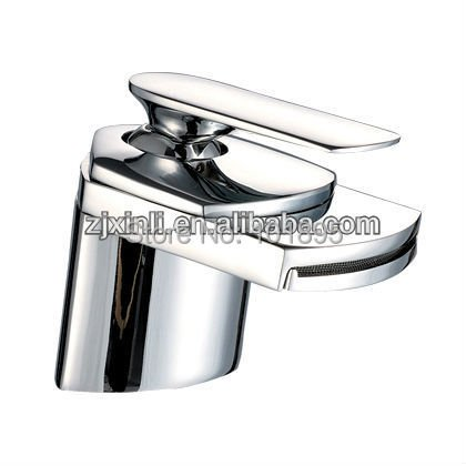 X8311B1 - Luxury Deck Mounted Brass Material Water Fall Big Mouth Basin Faucet