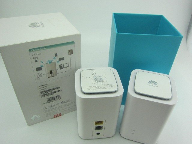 Huawei E5180s-22 4G LTE 150 Мбит/с маршрутизатор Cube-белый