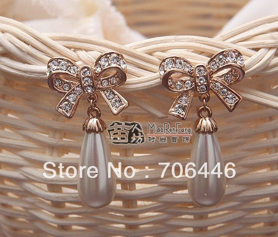 Rose Gold Tone Clear Rhinestone Crystal Water Drop Cream Pearl and Bow Design Stud Earring