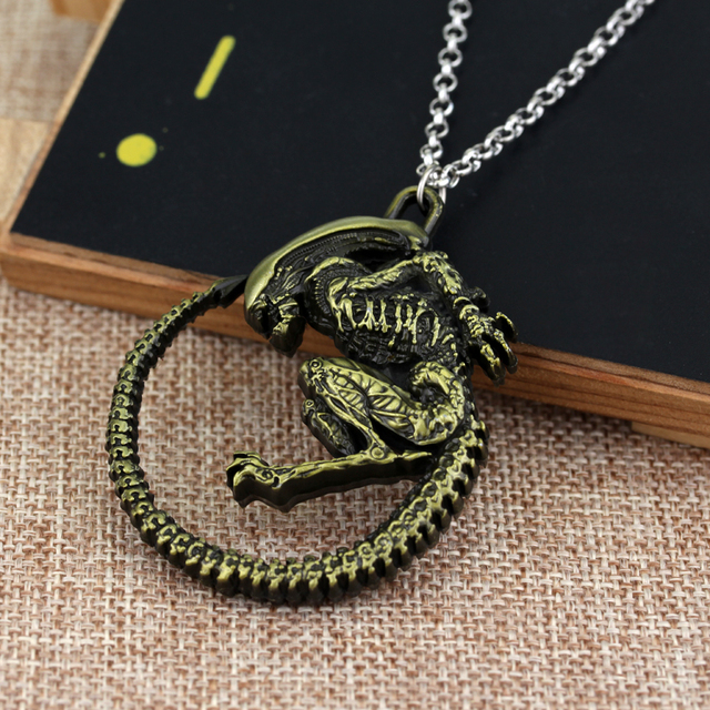 Punk Warrior Alien Metal Goth Horror Giger Cool Pendant Alloy Necklace Gift For Fans Movie Jewelry Free Shipping 10pcs
