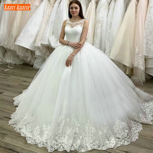 Sumptuous Princess Ball Gown White Wedding Dresses Scoop Applique Lace Ivory Bridal Dress Sweep Train Custom Made Wedding Gowns