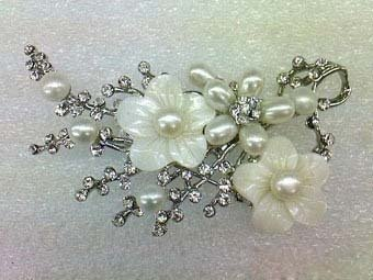 Real white Pearl  Crystal Shell Flower Brooch Wonderful Nobility Fine Wedding Jewelry Lucky Women's