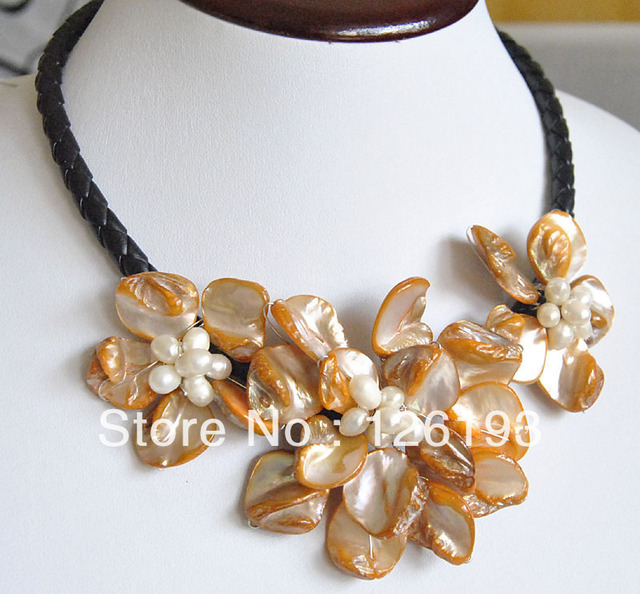 Charming orange shell Pearl Necklace baroque three flower