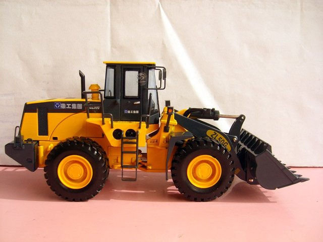 1:35 XCMGZL50G LOADER toy