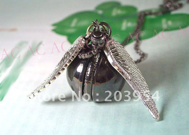 Harry Quartz Pocket Watches Fly Ball Free Shipping,wholesale,2014 Black Steel Wings For Mens Womens Necklaces New Y027