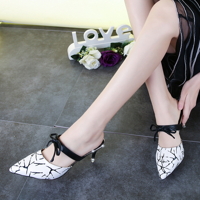Ladies med Heel thin sandals Woman Pumps summer shoes sexy point toe SuperStar butterfly women slippers white red black fashion