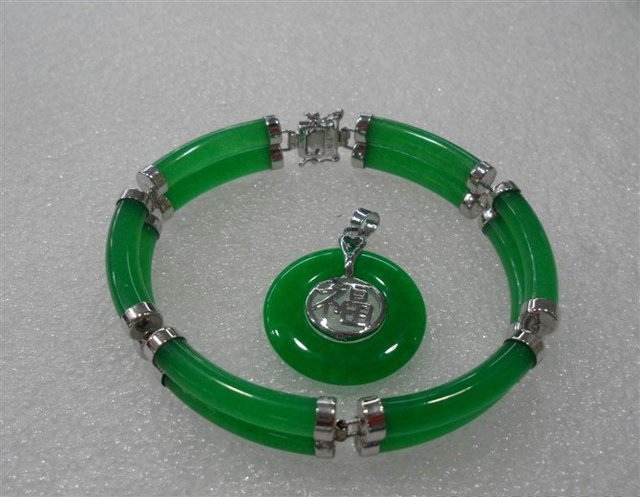 Exquisite Tibet silver green stone crystal bracelet necklace sets Wonderful Nobility Fine Wedding Jewelry Lucky Women's