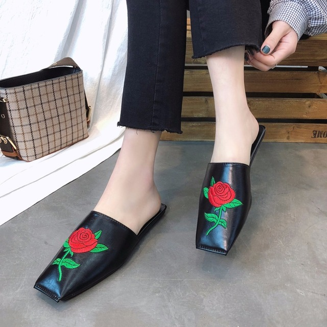 Embroidery Flower Mules Shoes Woman Brand Square Toe Slippers Summer Rose Floral Flip Flops Women Flat Beach Sandals Home Slides