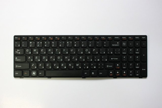 Russian keyboard For lenovo G570 Z560  with Black Frame