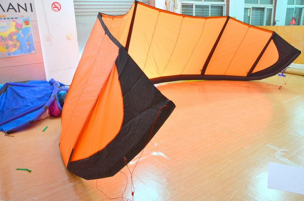 12m kite surfing + carbon 4 line bar with 25m 500lbs dyneema line+ leash