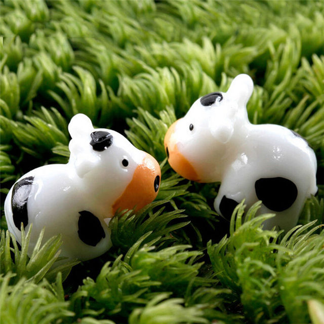 2 Pcs cow animals fairy garden miniatures mini gnomes moss terrariums resin craft figurines for garden decoration