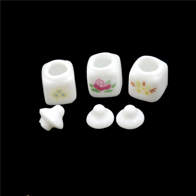 Dollhouse Miniature Cute White Ceramic Storage Jars with Cover Kitchen Access Classic Pretend Play Furniture Toys for Child 1Set