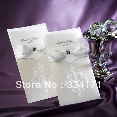 50pcs/set free envelop and free seal Vintage White Flor-de-lis Wedding Invitation With Insert card B9014