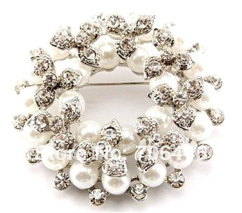 Beautiful Silver Plated Rhinestone Crystal and White/Cream Pearl Corsage Brooch