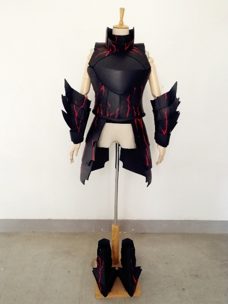 Customize Fate/stay night Artoria Pendragon Saber Alter Cosplay Armor