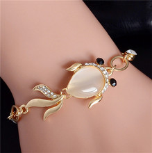 QCOOLJLY Lovely Fish Shape Design 1pc Gold Color Attractive Australia Crystal Party Lady Bracelet For Women Wholesale