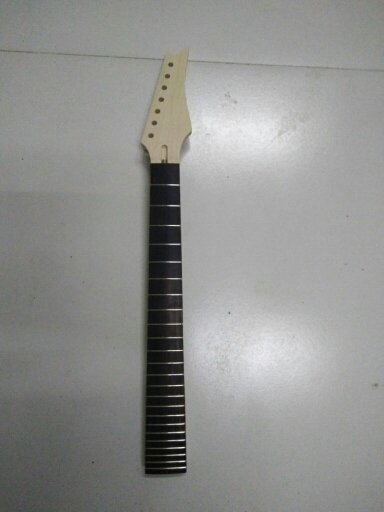 one 7  string  NEW high quality   Unfinished electric guitar neck  24 fret maple  wood Rose Fretboard