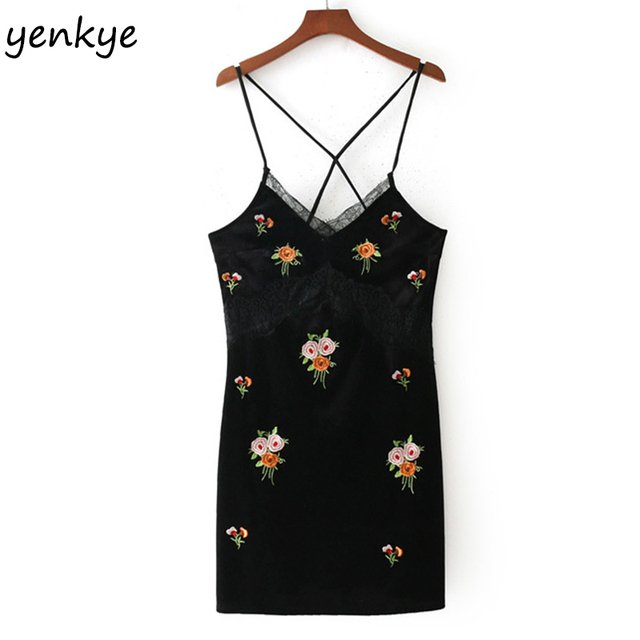 Women Floral Embroidery Velvet Sling Dress Lace Trims V Neck Backless Sleeveless  Black  Mini  Sexy Dress Summer  QQLP674