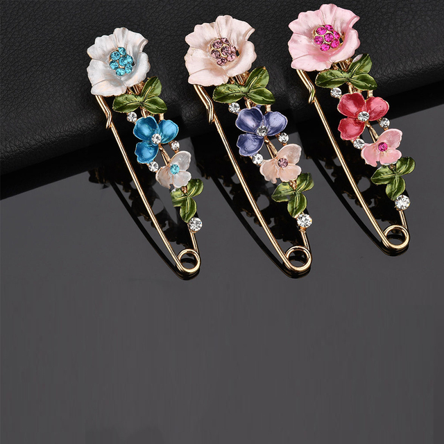 2017 Large Vintage Female Pins and Brooches for Women Collar Lapel Pins Badge Flower Rhinestone Brooch Jewelry