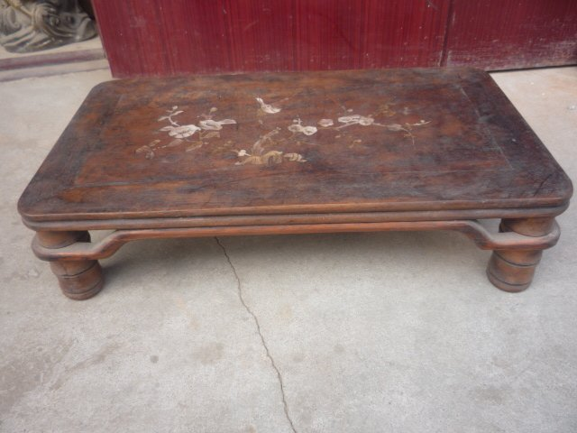 Rare Old Qing Dynasty wooden Kang Table, with  beautiful seashells ,free shpping