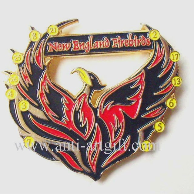 Customized Soft Enamel lapel pins eagle design Antique gold plated