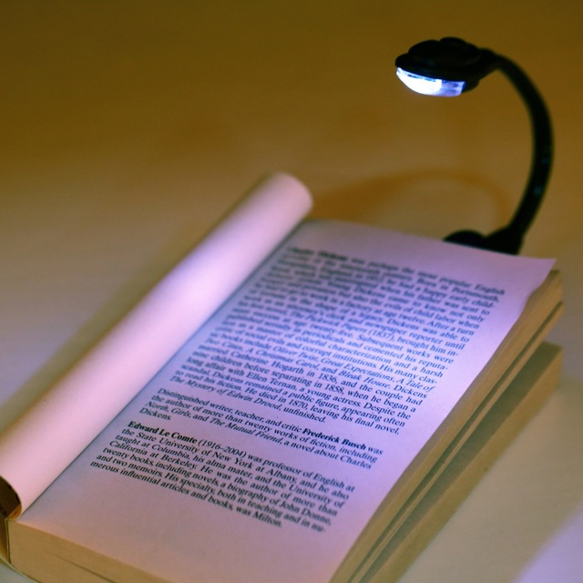 1pcs Mini Flexible Clip-On Bright Book Light Laptop White LED Book Reading Light Lamp Worldwide FreeShipping Newest Hot Search