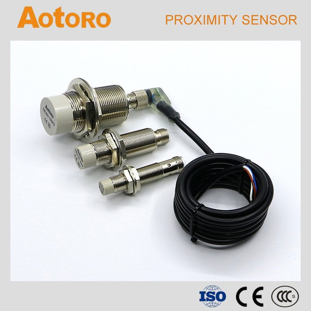 M30 TRC30-15DO long distance sensor with connector cylinder proximity switch
