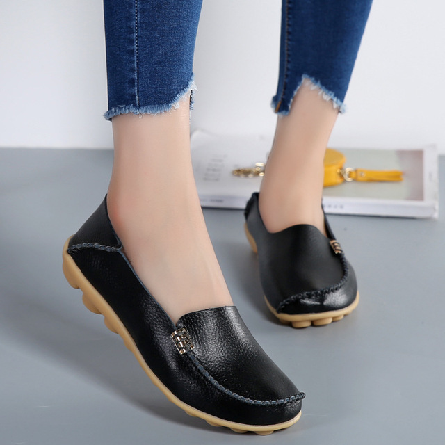 Plus Size Fashion Genuine Leather Women Flats Shoes Female Casual Flat Women Loafers 18 Color Moccasin Non-slip Women's Shoes