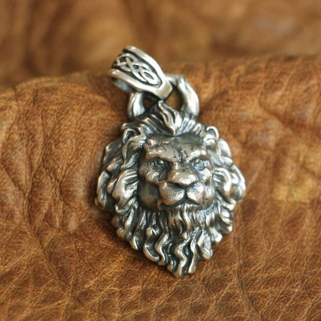 LINSION High Details 925 Sterling Silver King of Lion Pendant Mens Biker Punk Pendant TA112