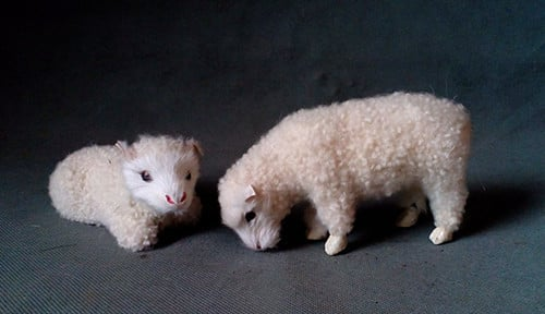 simulation cute white sheep 13x4x7cm toy model polyethylene&furs sheep model home decoration props ,model gift d213