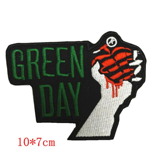 Green diy hand catch crab badge embroidered sew iron on patch