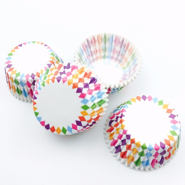 100Pcs/Lot Colorful Diamond Paper Cupcake Liners Cupcake wrappers Cake Decorating Tools Muffin Cups