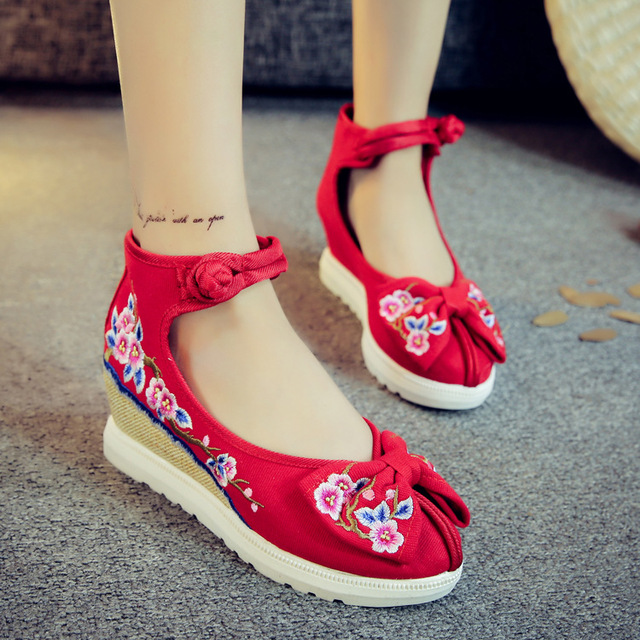 Catching Bright Wedges Embroidery Women Shoes Old Peking Mary Jane Flat Heel Denim Flats With Soft Sole Women Dance Casual Shoes