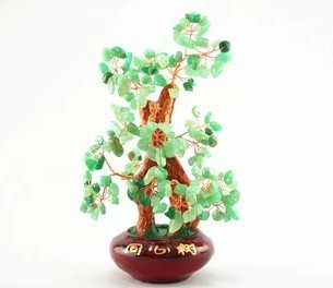natural crystal craft tree , the lucky feng shui tree as the mascot, bring in wealth and treasure fortune treegren-1726 green
