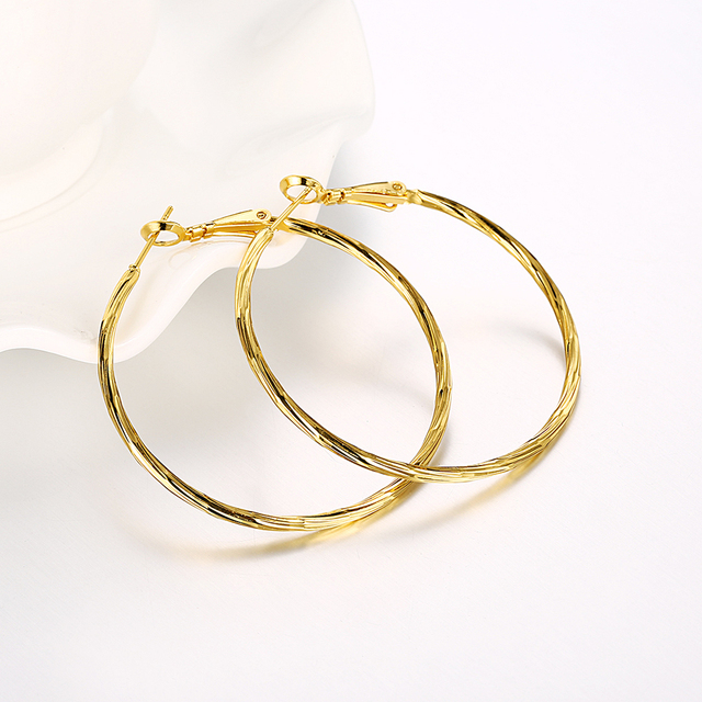 Fashion New Big Circle Slim Round Pattern Hoop Earrings Twisted Gold Color For Women Party Jewelry Wholesale Top Quality