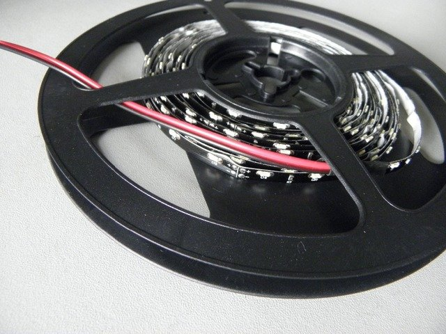 Free shipping wholesale 8mm or 5mm  Black PCB Board SMD335 side view Flexible led strip light with 60leds LED Tape